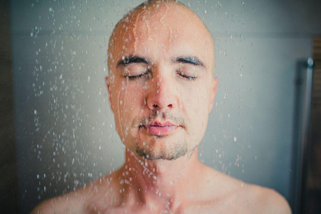 Jak osiągać więcej w życiu i biznesie - zimny prysznic