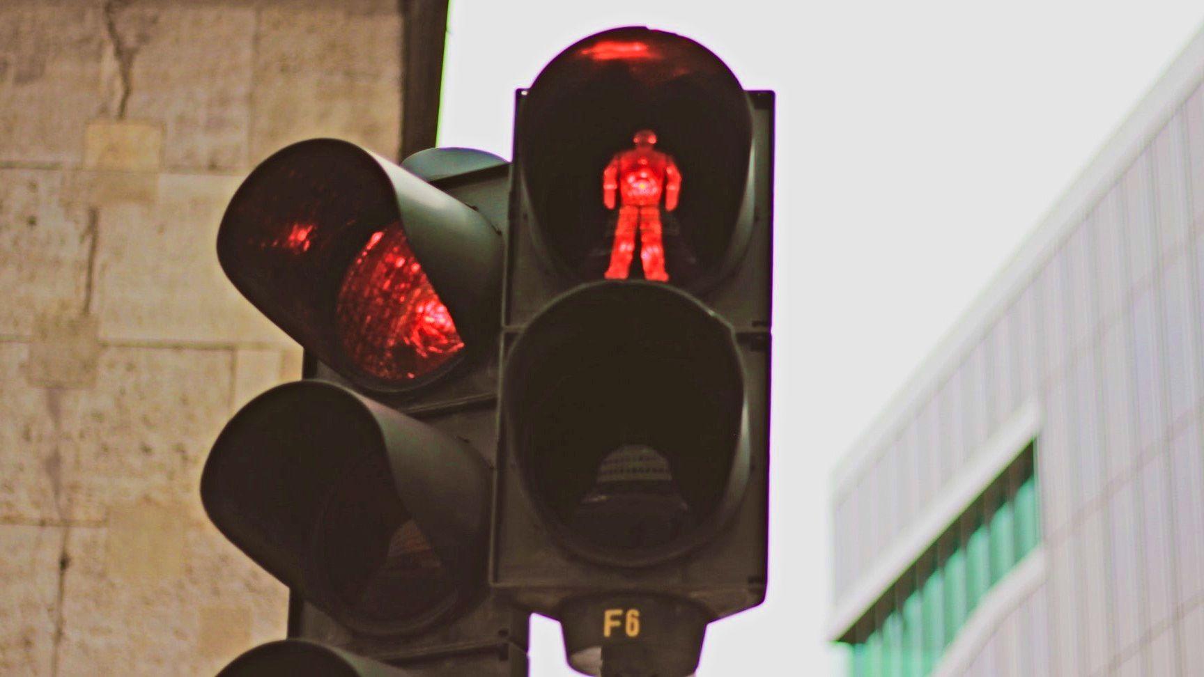 Czerwone światło nie zawsze oznacza, że nie możesz działać